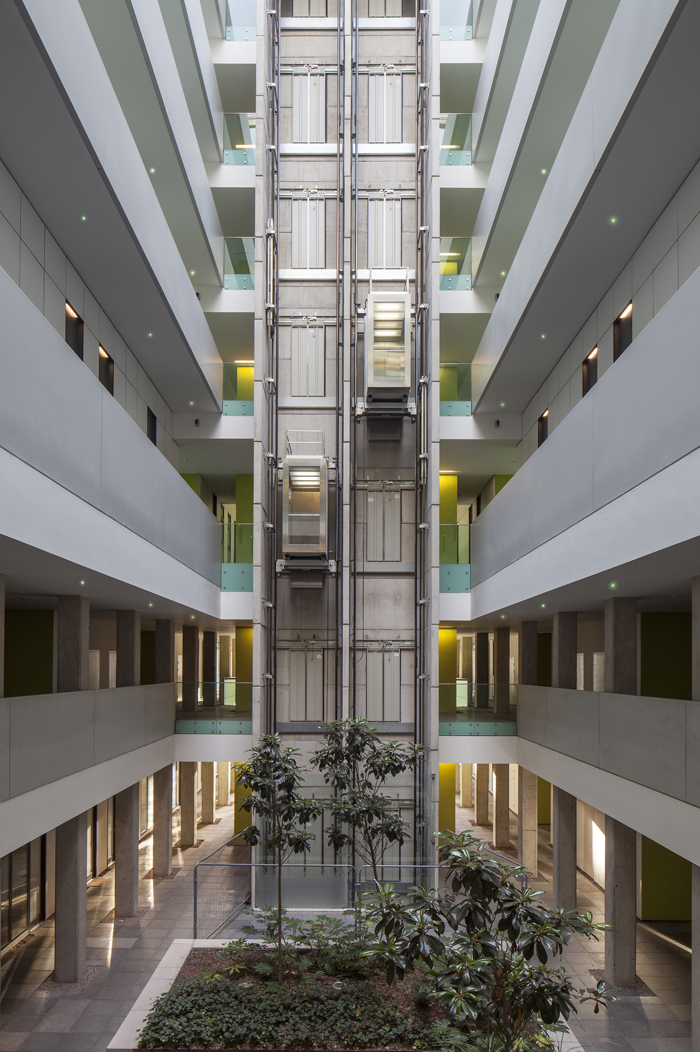 lakeshore-bristol-chooses-goodlight-led-lighting-communal-area-3-sml