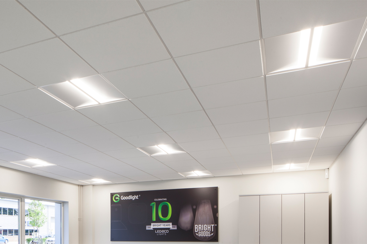 Luxe architectural led ceiling panel high lumen ouput the luxe led panel features an integrated driver with super fast installation allowing you to connect straight to the mains dailygadgetfo Images